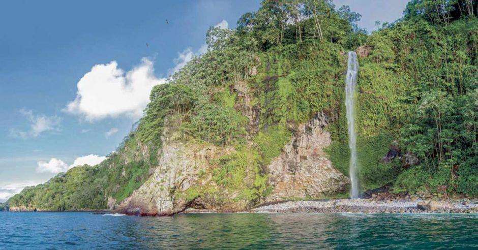 """""""$6 mil que pagan los turistas por ir a la Isla del Coco, no es suficiente para el Sinac"""""""