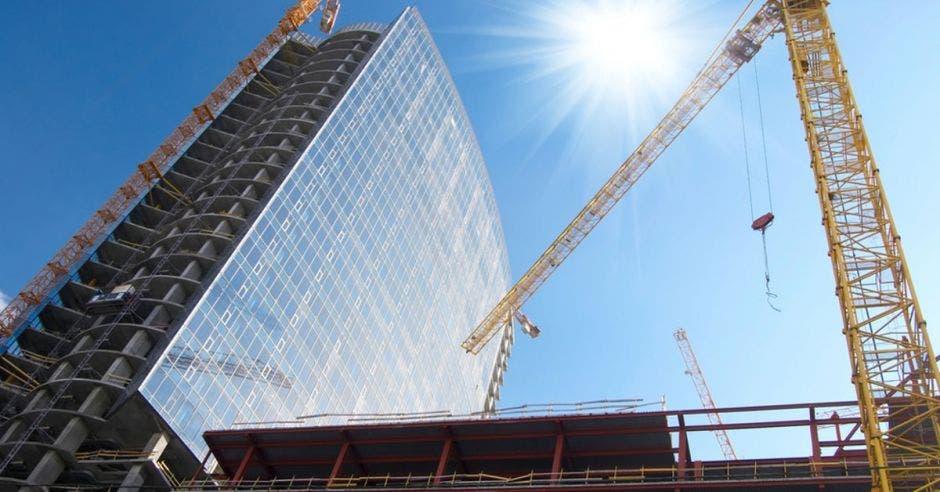 Construcción de edificios en el país continua encareciéndose