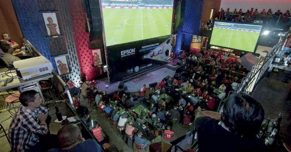 Estadio virtual de Epson en Jazz Café Escazú.