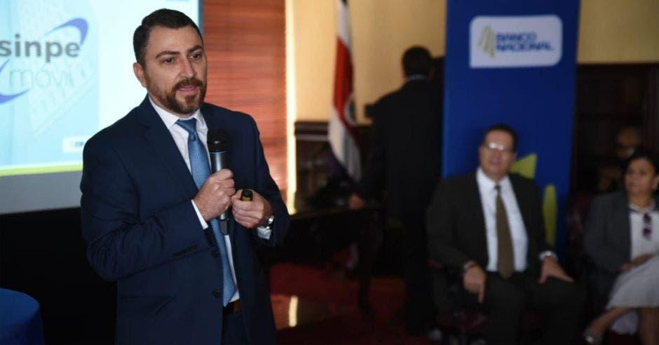 Banco Nacional actualiza Sinpe Móvil para clientes no videntes