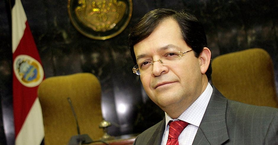 Carlos Chinchilla en la corte
