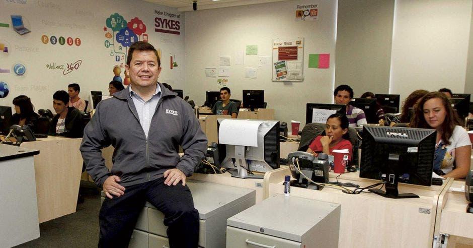 Alejandro Arciniegas de Sykes posa en las instalaciones de la empresa.