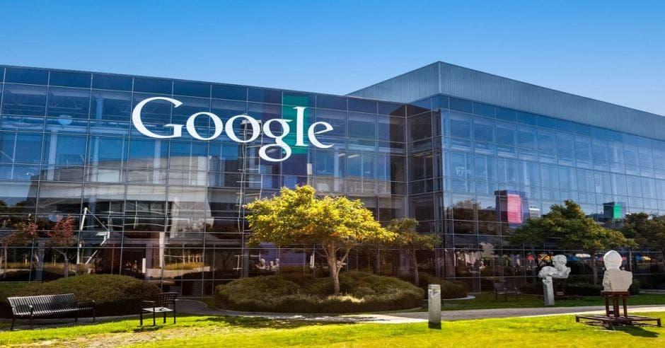 Unión Europea multará a Google por $5 mil millones
