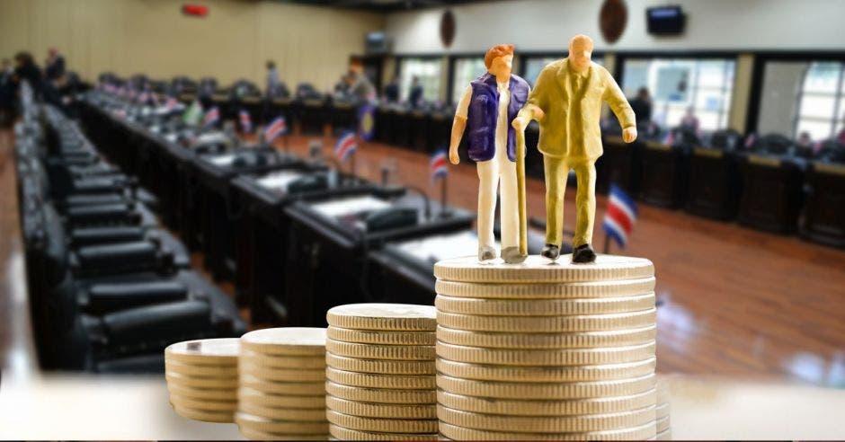 Supen recomienda no juntar cambios al empleo público con pensiones