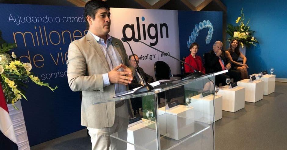Carlos Alvarado en inauguración de Align Technology.