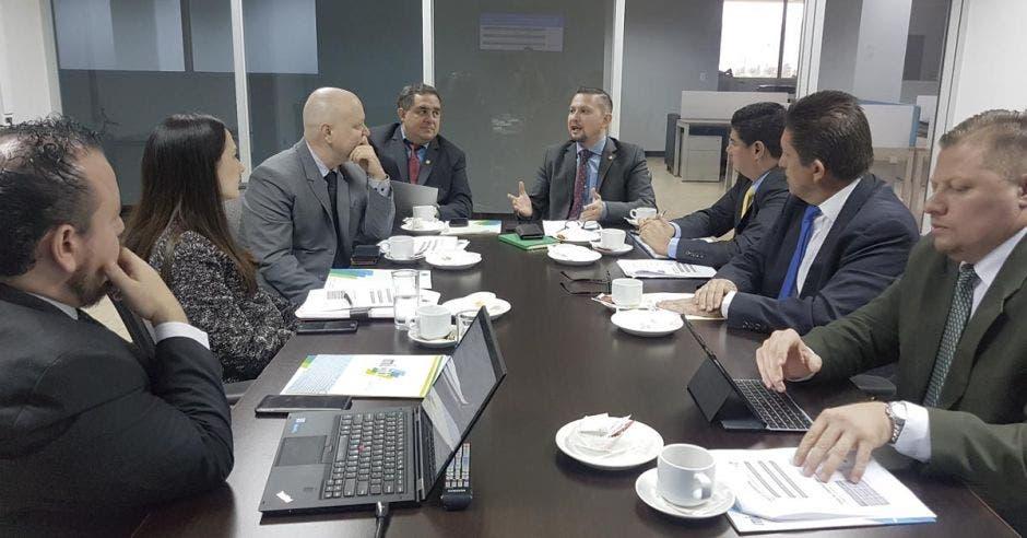 Reunión de expertos en ciberseguridad