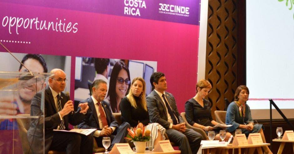 CArlos Alvarado y los empresarios