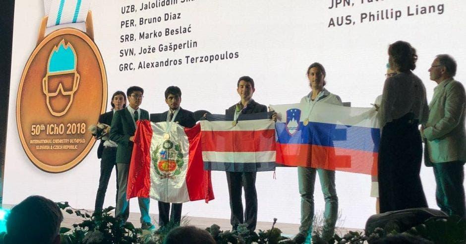 Costa Rica logra bronce en Olimpiada Mundial de Química