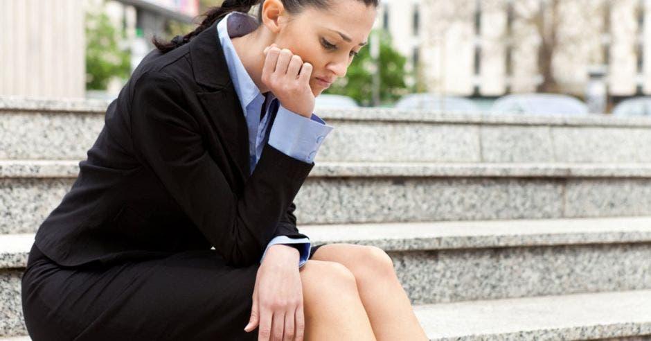 Mujer joven desempleada