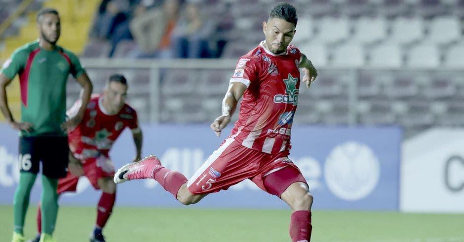 El subcampeón de la Liga Concacaf, el Santos de Guápiles, regresará esta noche a la competencia internacional.