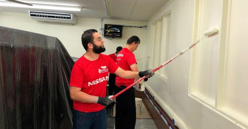 Nissan invirtió $290 mil y 185 días de trabajo para reparar escuelas en Costa Rica