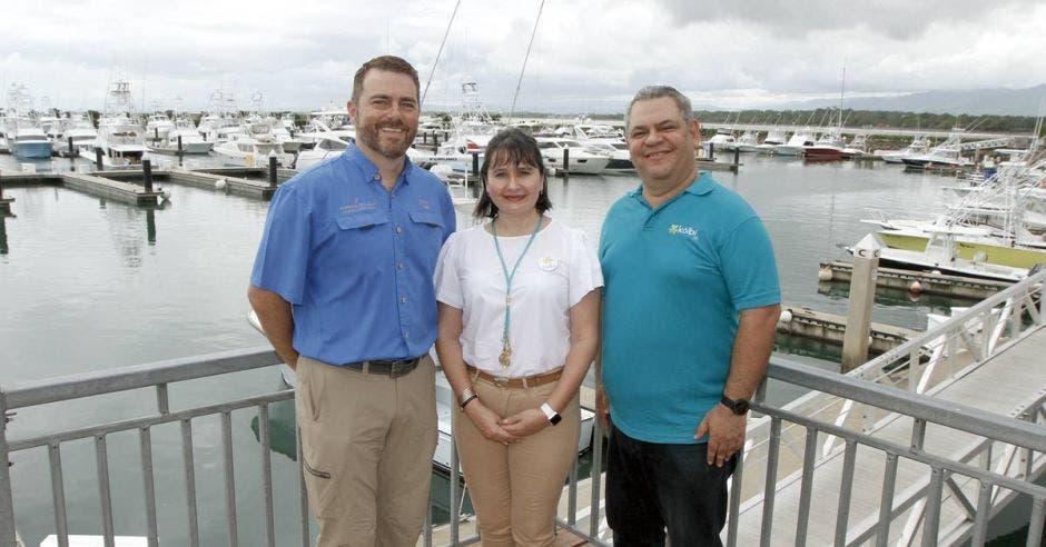 voceros de kolbi y gerente de Marina Pez Vela
