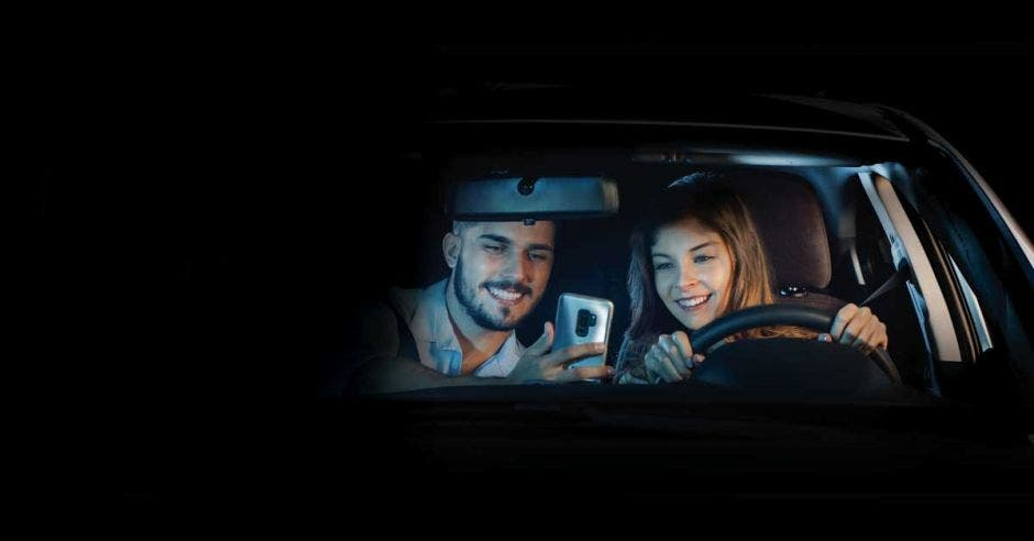 Celular aumenta hasta cuatro veces el riesgo de accidentes en carretera