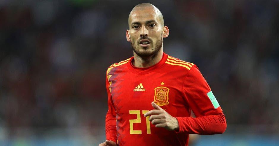 David Silva y Gerard Piqué se retiraron de la selección española, anteriormente lo hizo Andrés Iniesta