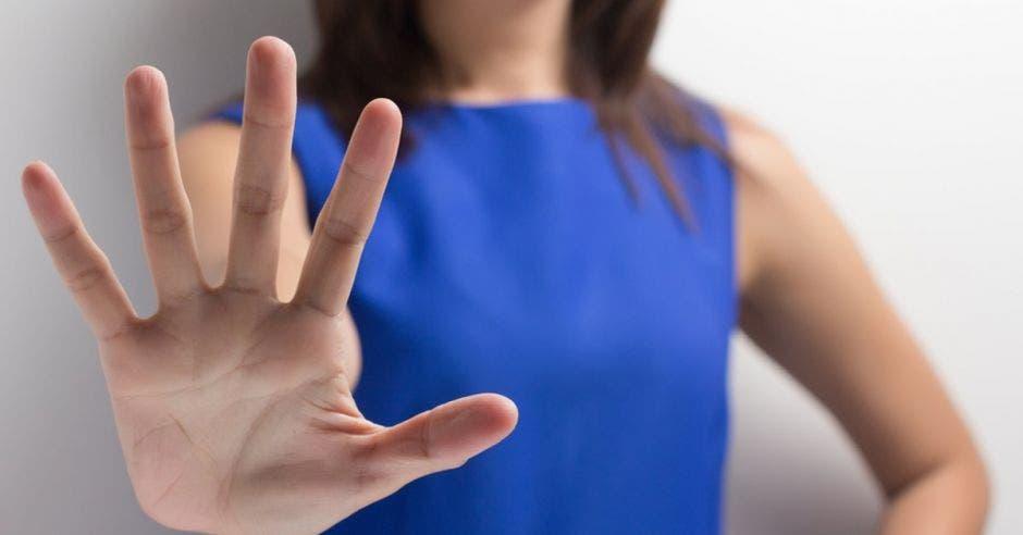 Gobierno anuncia frente común para detener violencia contra las mujeres