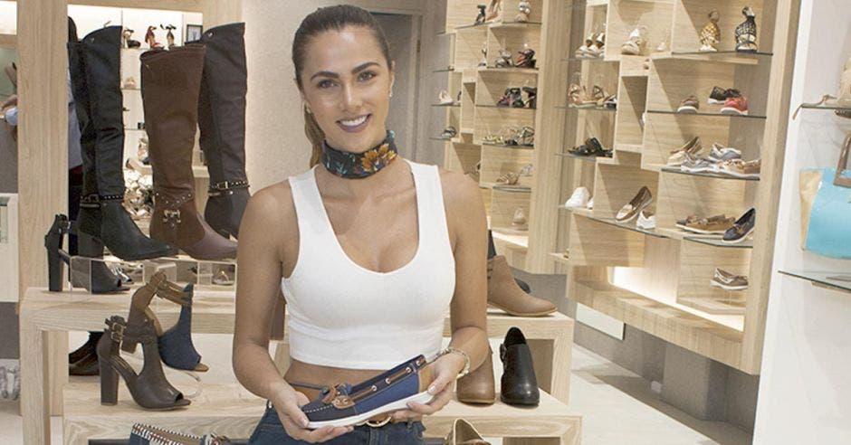 Nueva tienda de calzado multimarca abrió en Multiplaza Escazú