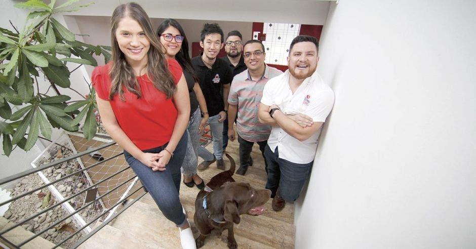 Agencia caza clientes con estilo millennial