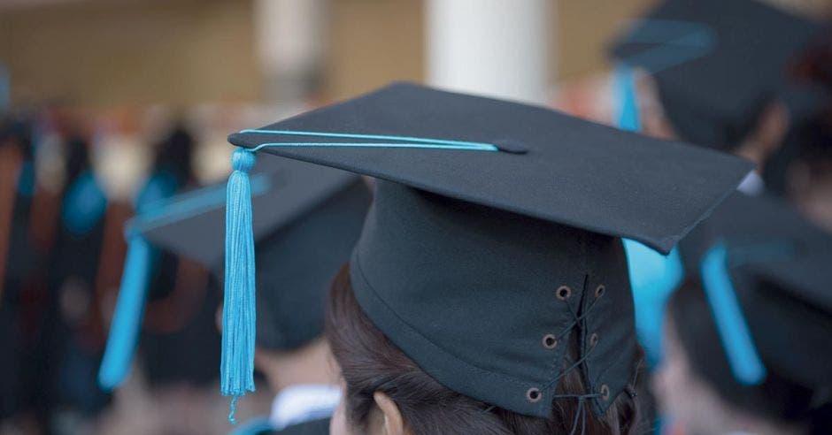 Costa Rica encabeza países latinoamericanos con más universitarios