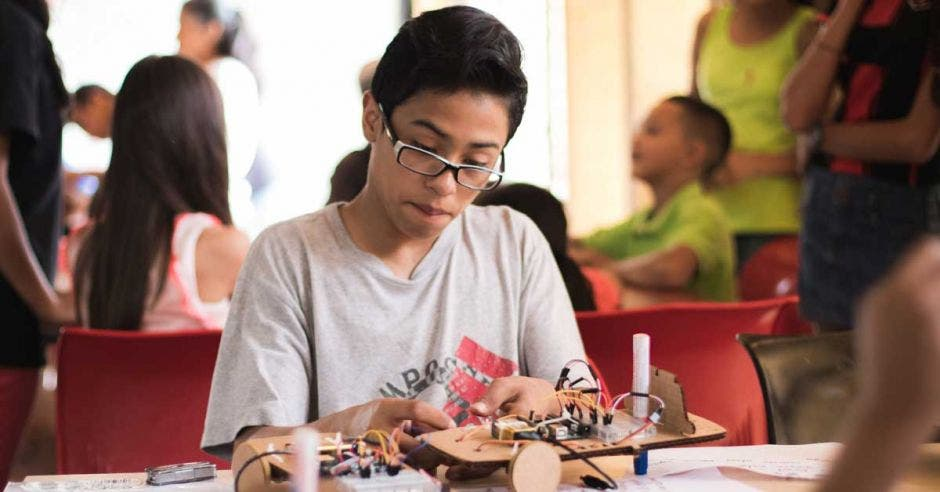 Costa Rica inaugura primer laboratorio 3D de América en una zona urbano marginal