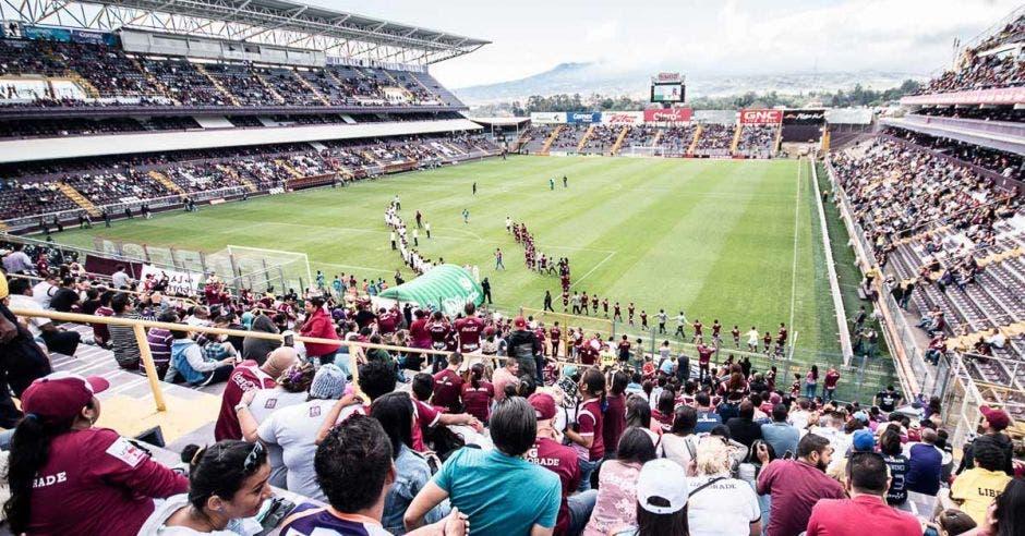 Precios de entradas a estadios en Costa Rica superan los de la liga brasileña