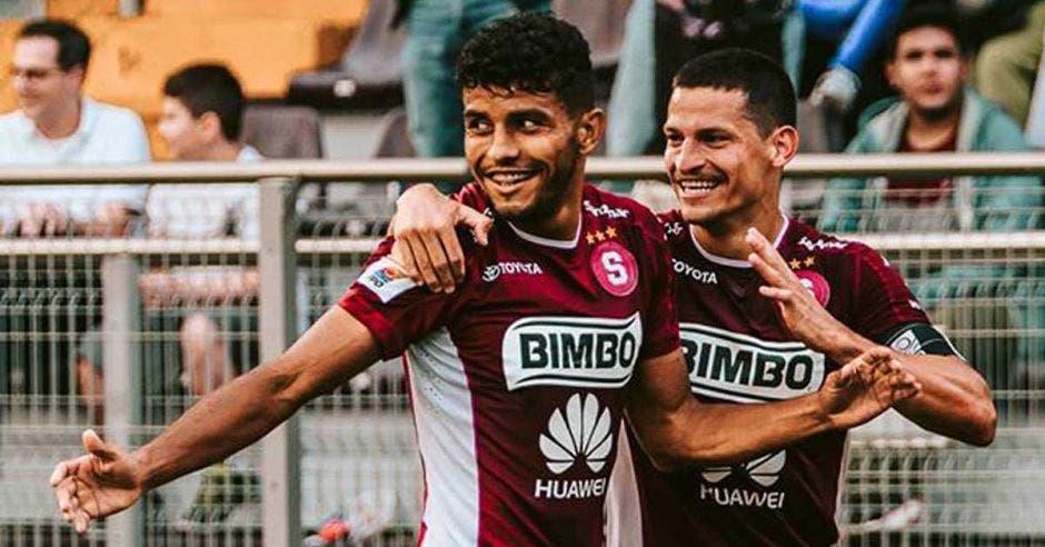 Johan Venegas, máximo goleador del Apertura, enfrentará a los Guerreros del Sur.