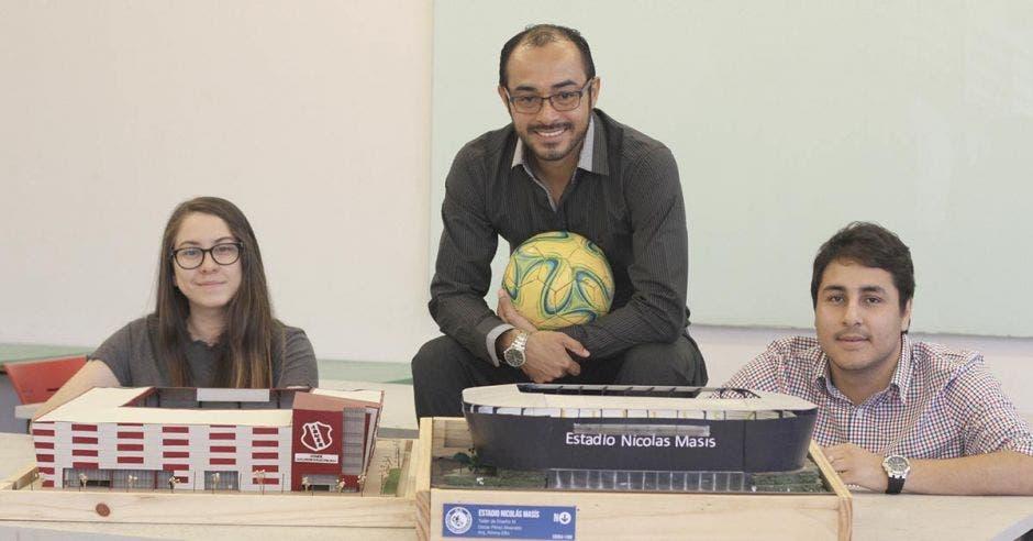 Estudiantes ticos diseñaron estadios de primer mundo a clubes nacionales