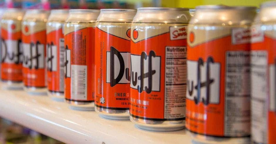 latas de cerveza Duff