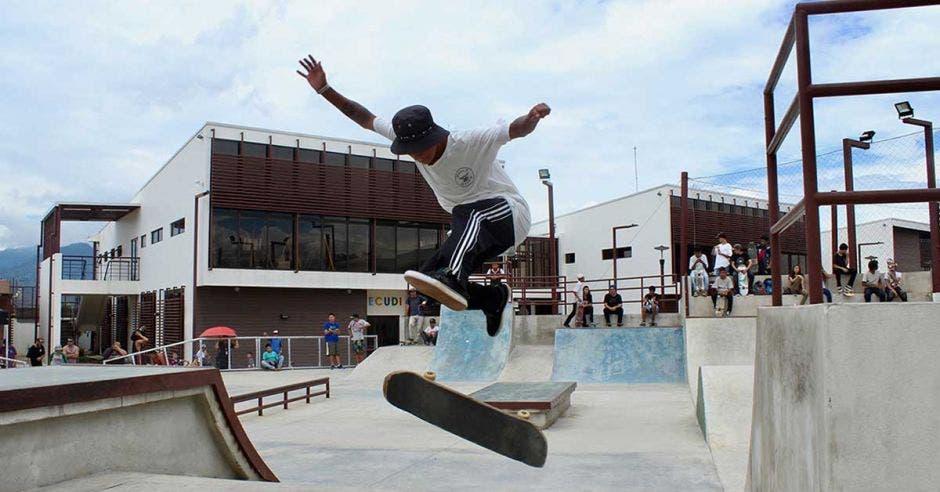 Federación organizará su primer torneo que arrancará el 26 de agosto en la Villa Olímpica de Desamparados. Cortesía Mónica Ureña, Federación Skateboarding Costa Rica