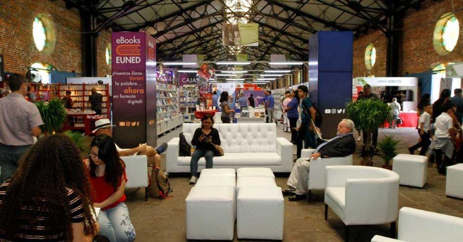 """Clubdelibros invita a dejar """"Huella Verde"""" en la Feria del Libro"""