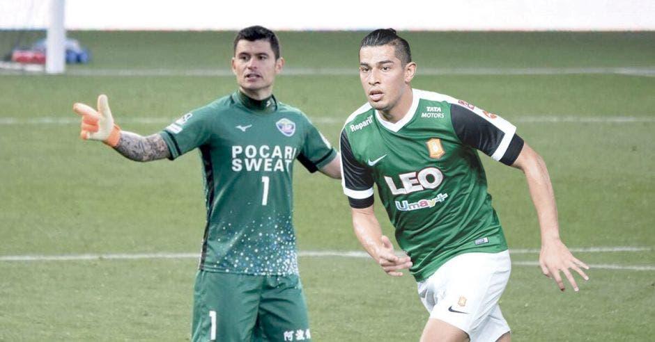 Futbolistas ticos ganan hasta siete veces más en Asia que en Costa Rica