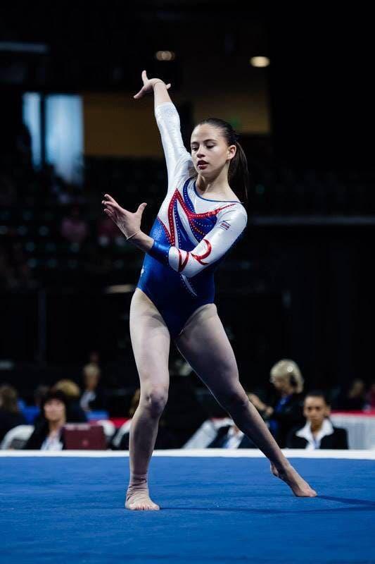 Camila, de 15 años, tiene diez años de practicar la disciplina y hoy es la campeona nacional de su categoría y seleccionada nacional del equipo juvenil.