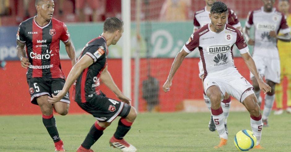 Alajuelense no pierde tres partidos seguidos en casa en más de dos años