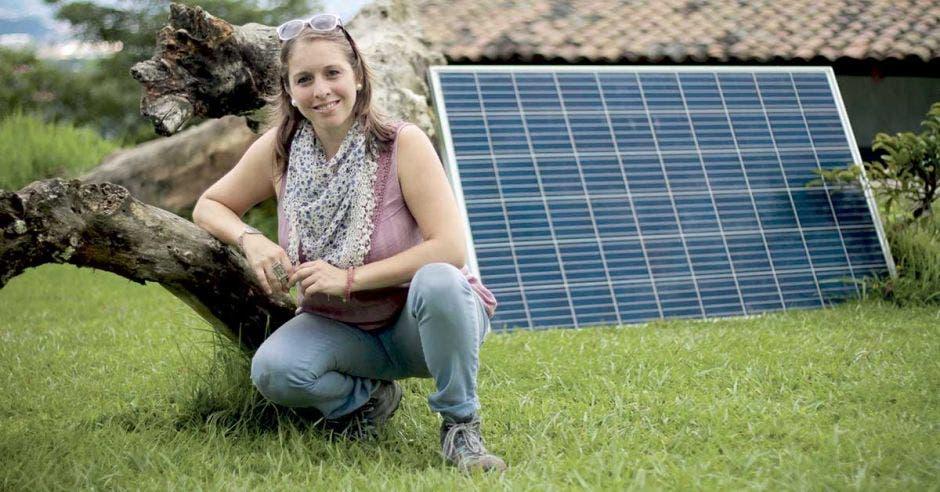 Tope a generación limita crecimiento de energía solar en el país
