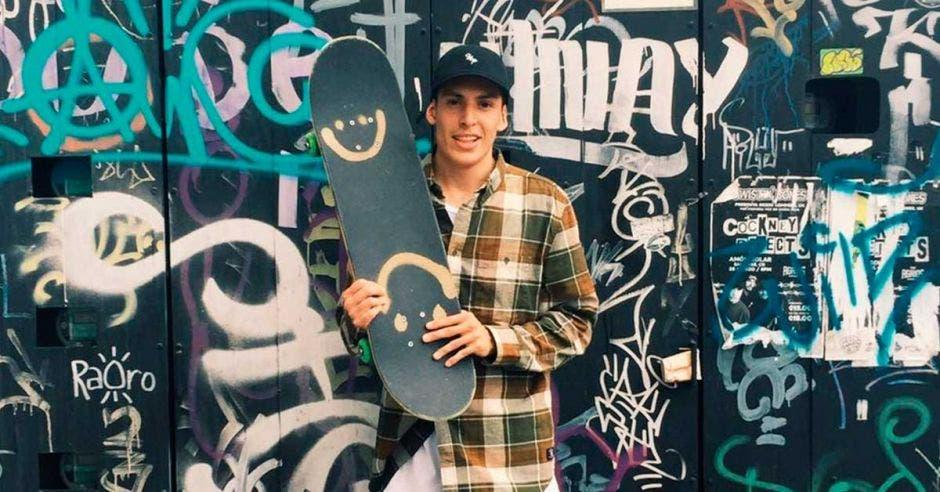 """Skater tico: """"Me dijeron vagabundo y eso me dio viajes y felicidad"""""""