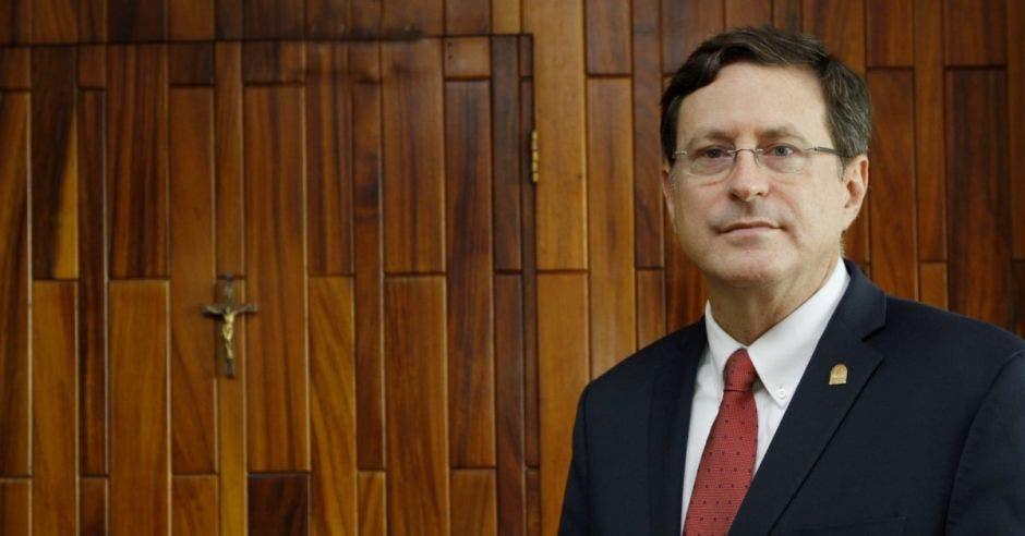 Román Macaya, presidente ejecutivo de la Caja de Seguro social