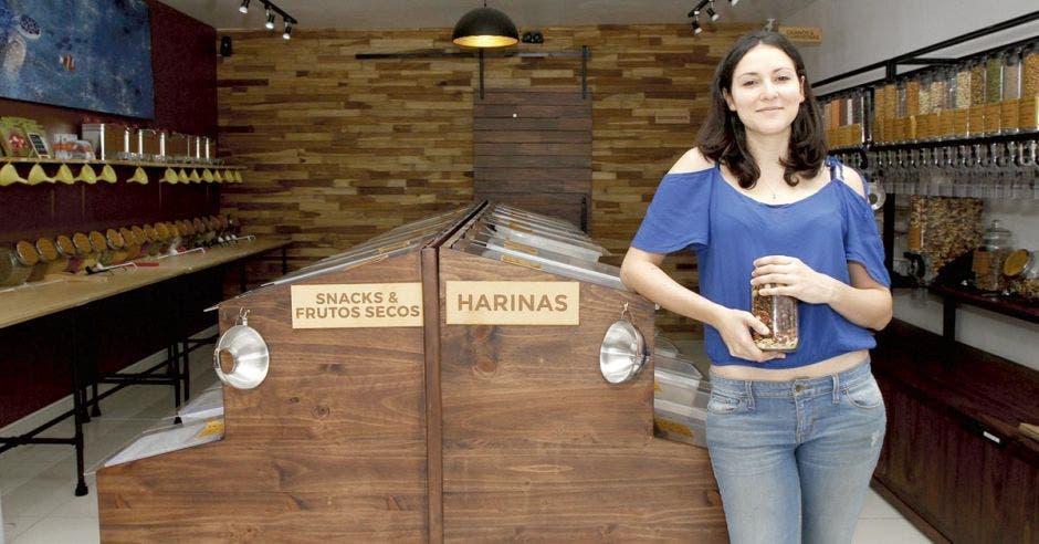 Tienda de ventas a granel abre puertas en Escazú