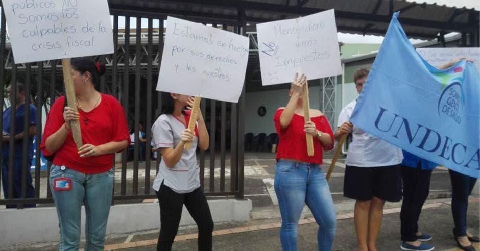 Huelga de trabajadores del sector salud