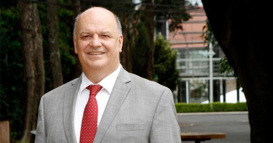 Rodolfo Piza, ministro en un parque