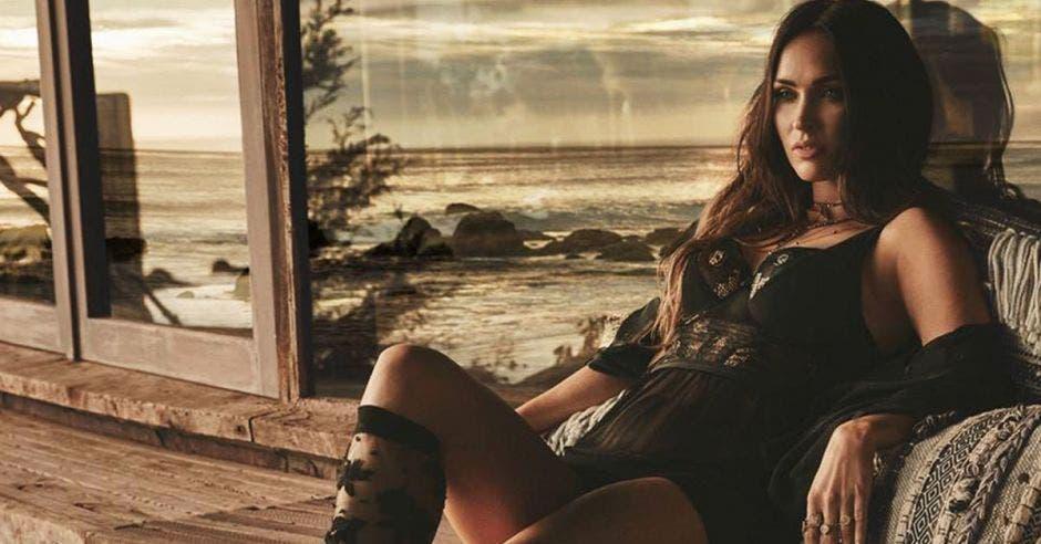 Megan Fox, luciendo la lencería