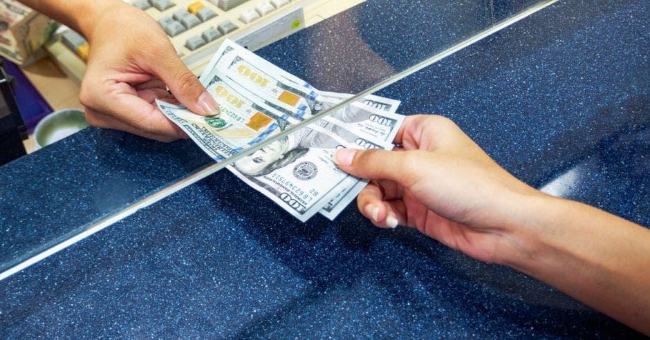 Prepárese para subidas y bajadas en el mercado cambiario