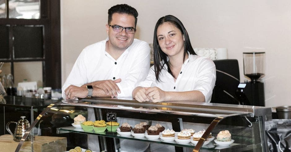 Marco Ocampo y Adriana Venegas de Posada Real Café