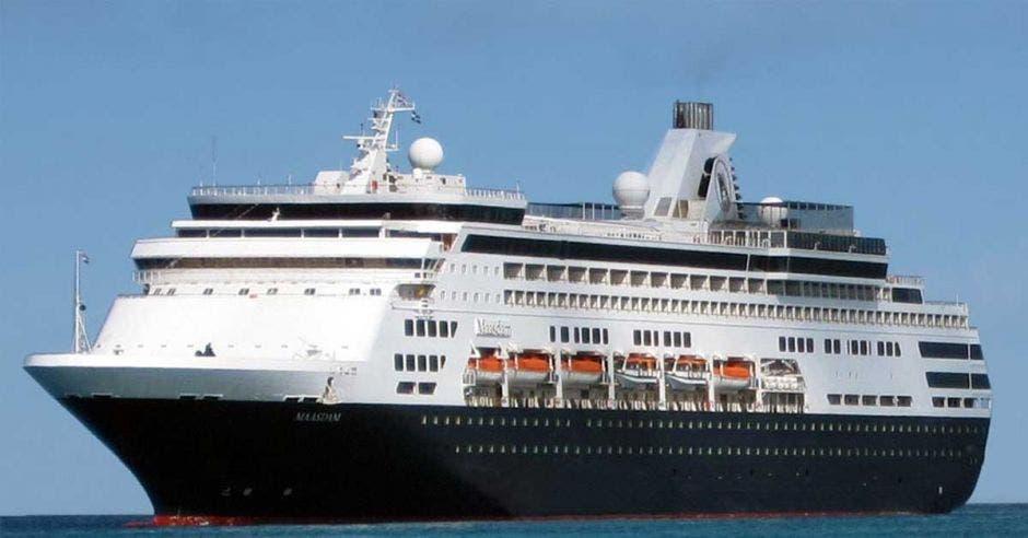 Crucero hacia Quepos con 1.100 turistas afectado por bloqueos