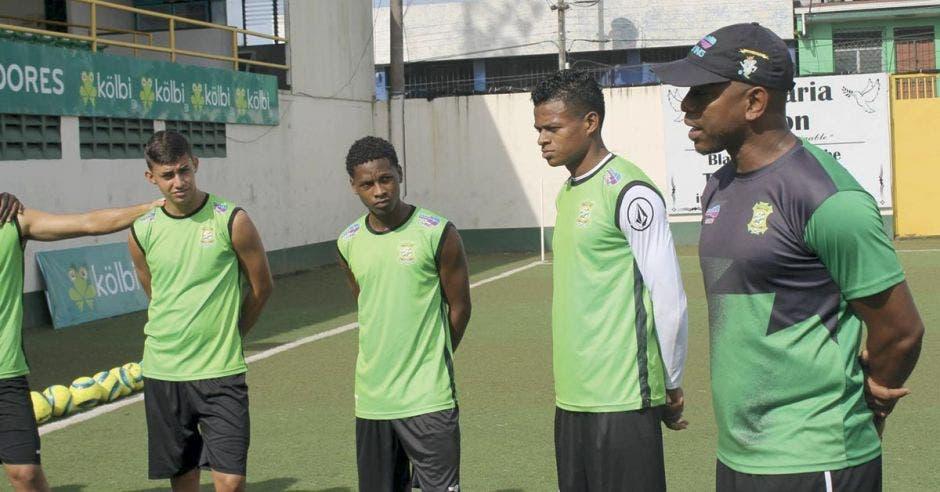 Huelga impide a Limón FC entrenar con plantel completo y entorpece visitar estadios