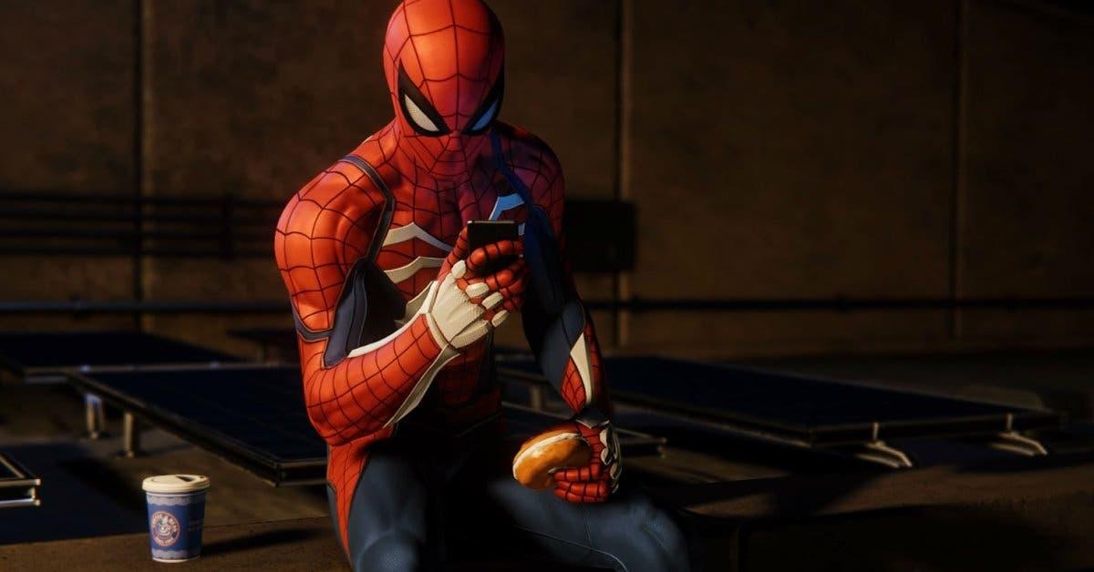 Spiderman revisando el celular y comiendo una dona en una azotea