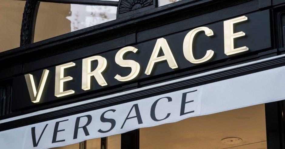 Michael Kors y Tiffany interesados en comprar Versace