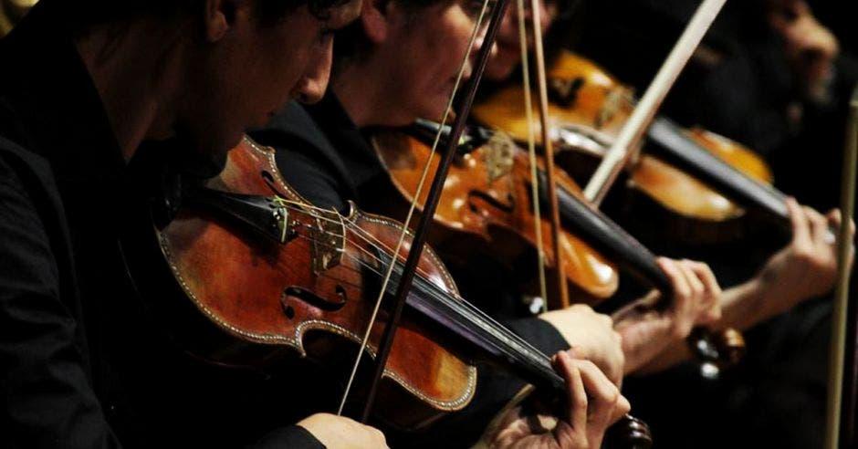 Director nominado al Grammy Latino dará concierto gratuito junto a la Sinfónica Nacional