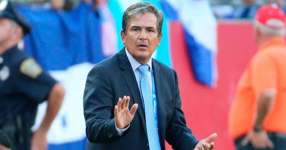 Jorge Luis Pinto fue descartado para dirigir en la Selección.