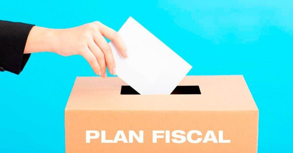 Aliados de nuevos impuestos reconocen que plan fiscal no es suficiente