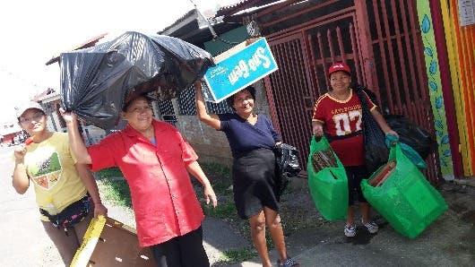 El centro de acopio de La Carpio está liderado por mujeres
