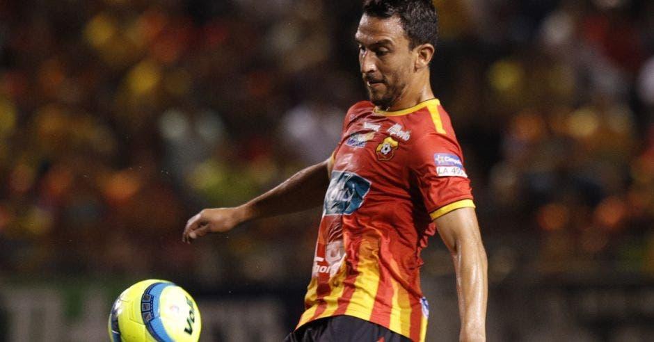 Rojiamarillos deberán vencer a Motagua de Honduras para campeonizar en Liga Concacaf y clasificar a Concachampions. Facebook Herediano/La República